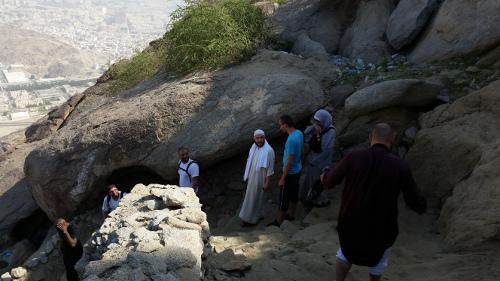 grotte-thawr-hijra-omra