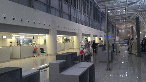 police-passeport-aeroport-medine