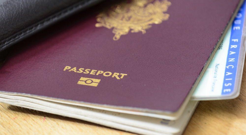 C'est officiel : le visa Hajj Omra collé sur le passeport c'est fini
